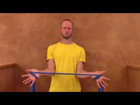 Übung zur Dekontrahierung der Handgelenk-Beuger (mit Theraband)