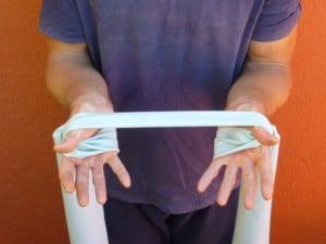 Rückenschmerzen Übung mit dem Theraband 7