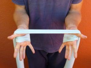 Rückenschmerzen Übung mit dem Theraband 8