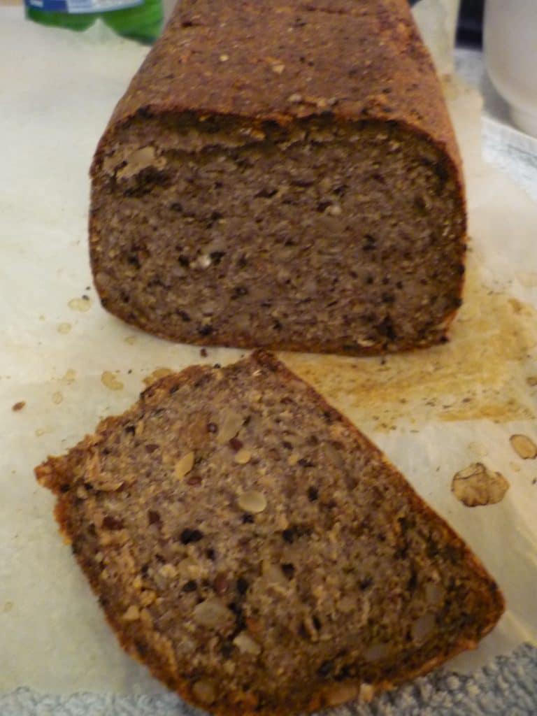 Rezept für gesundes Flohsamen-Brot