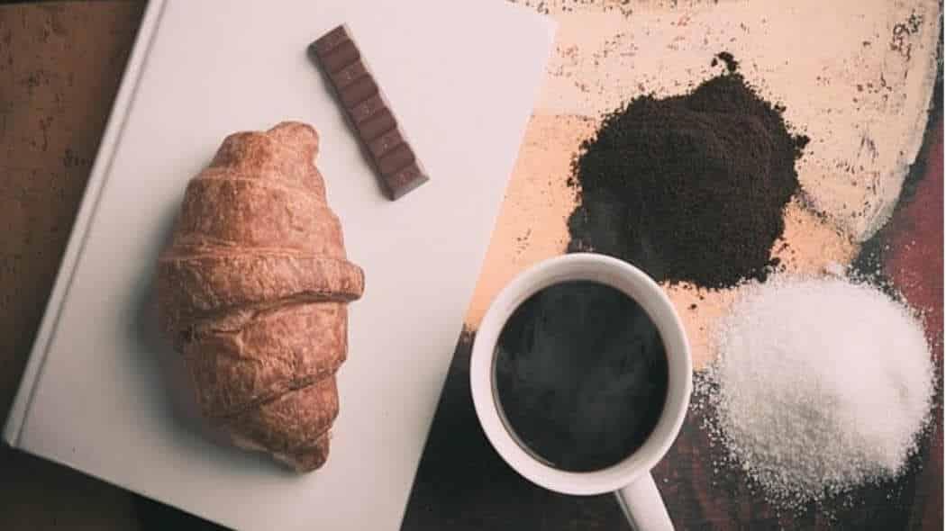 Frühstück – Die wichtigste Mahlzeit des Tages?! Glaubst Du dieses Märchen immer noch?