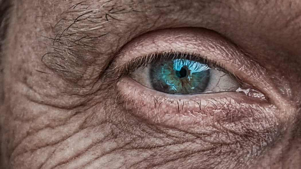 Natürliches Anti-Aging: 3 Tipps, wie Sie länger jung und schön aussehen können