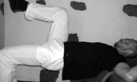 Übung gegen Rückenschmerzen: Die Dekontrahierung chronisch verspannter Muskelgruppen