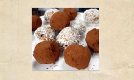 Mandel-Dattel-Bällchen – Kleine Rohköstlichkeiten