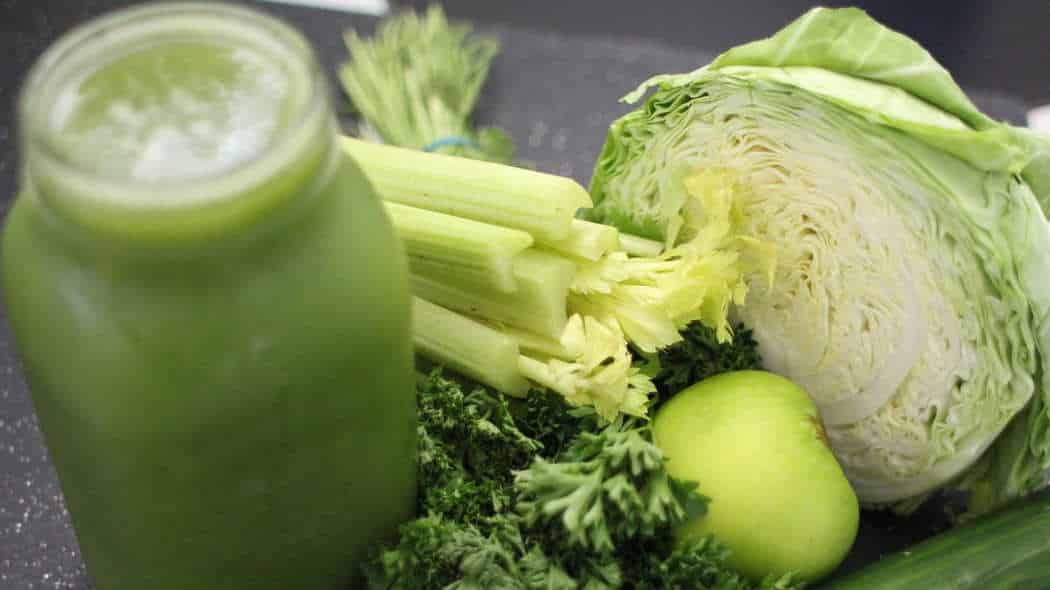 7 entgiftende Lebensmittel für Deine Detox-Diät zu Hause