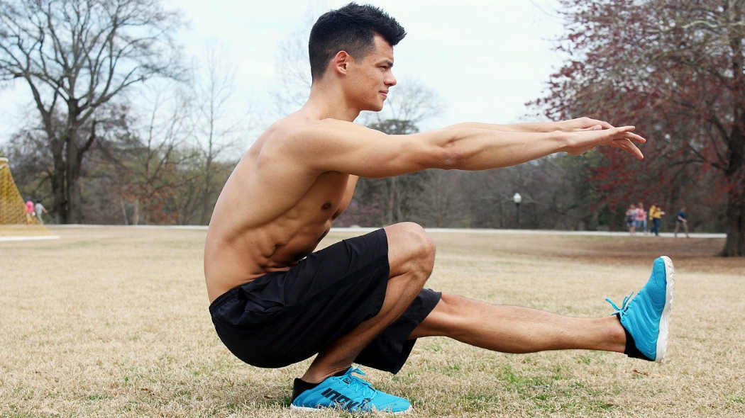Meine Erfahrung mit ISO-Extrem-Hold Training - Mann in einbeiniger Kniebeuge
