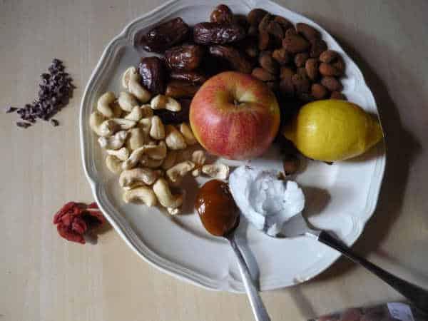 Zutaten für den Rohkost-Kuchen